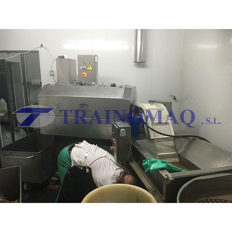 maquina-con-trabajador